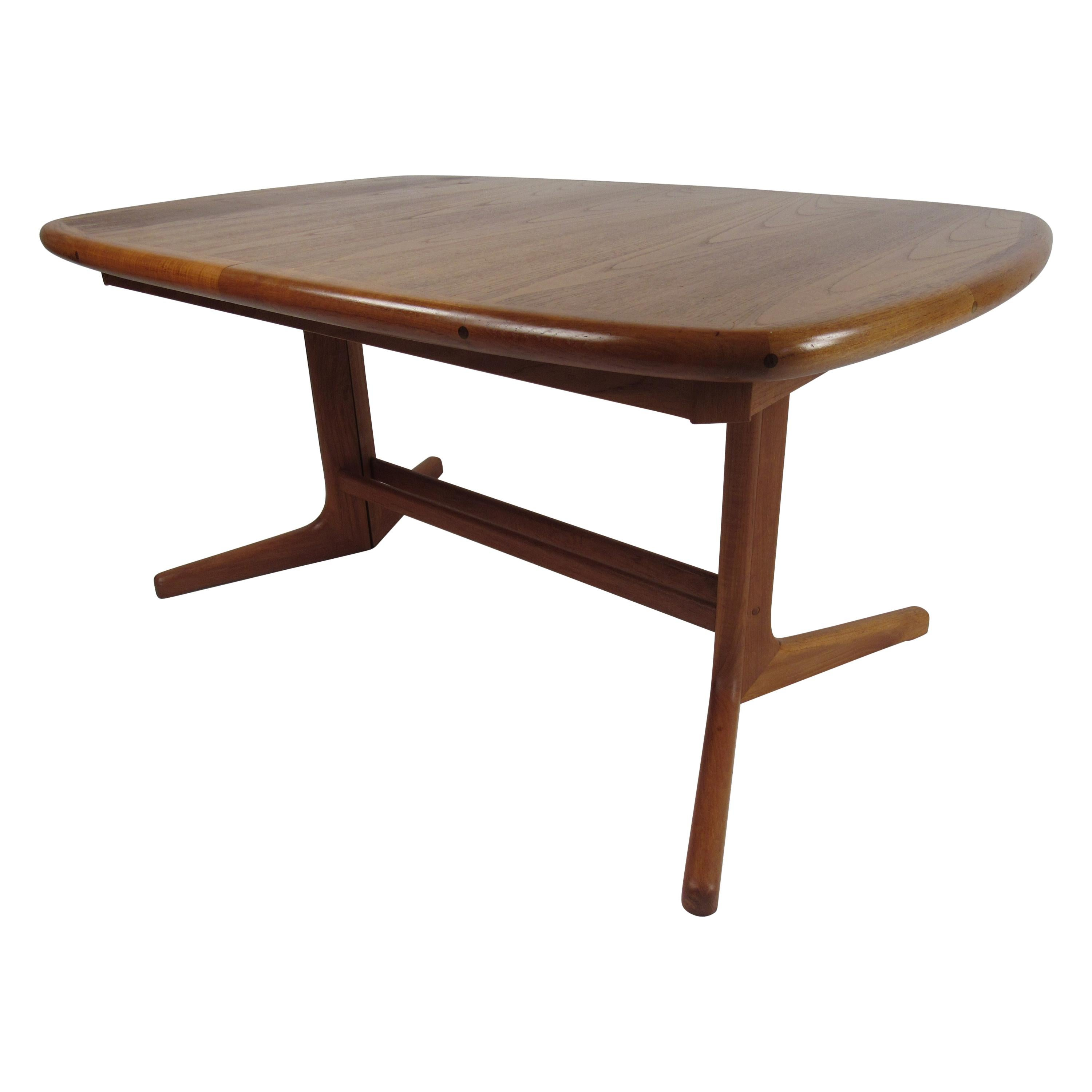 Danish Modern Butterfly Leaf Dining Table with a Pedestal Base
