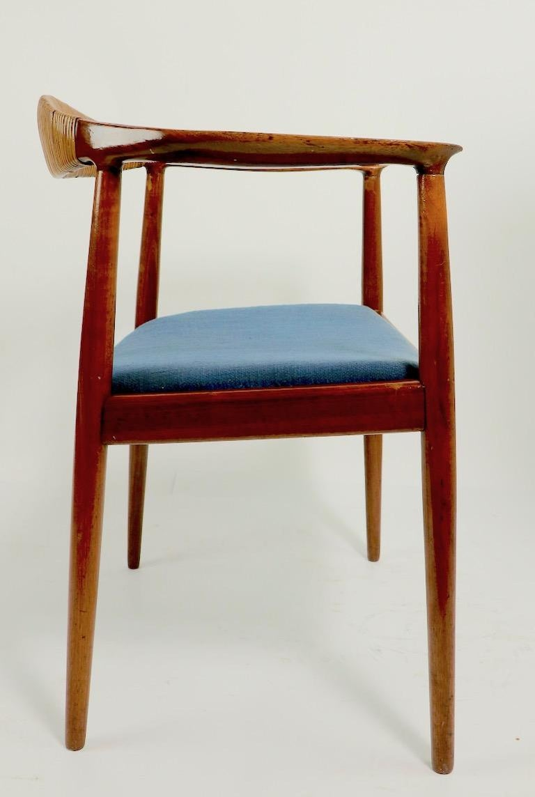 Classic Hans  Wegner Round Chair For Sale 3
