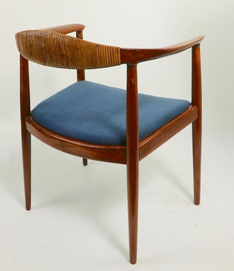 Classic Hans  Wegner Round Chair For Sale 5