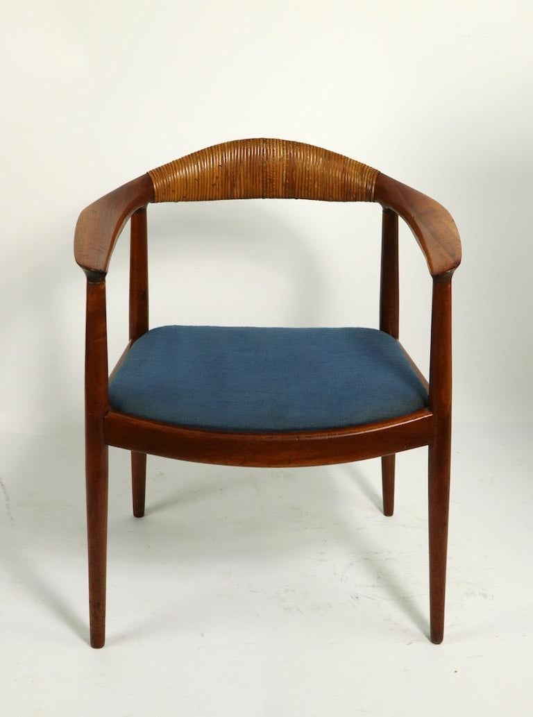 Classic Hans  Wegner Round Chair For Sale 10