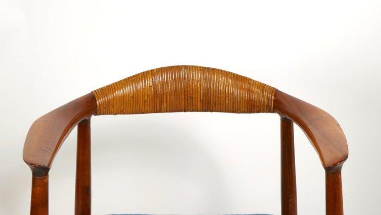 Scandinavian Modern Classic Hans  Wegner Round Chair For Sale
