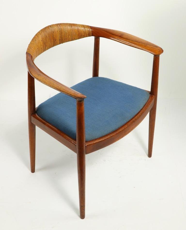 20th Century Classic Hans  Wegner Round Chair For Sale