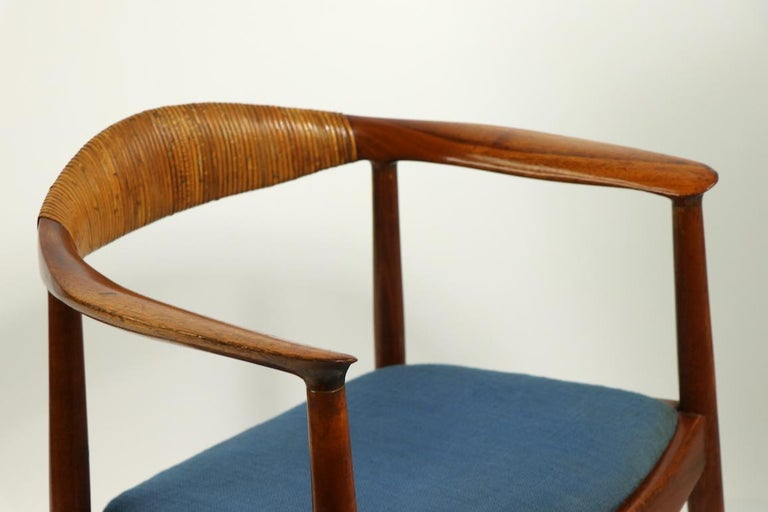 Upholstery Classic Hans  Wegner Round Chair For Sale