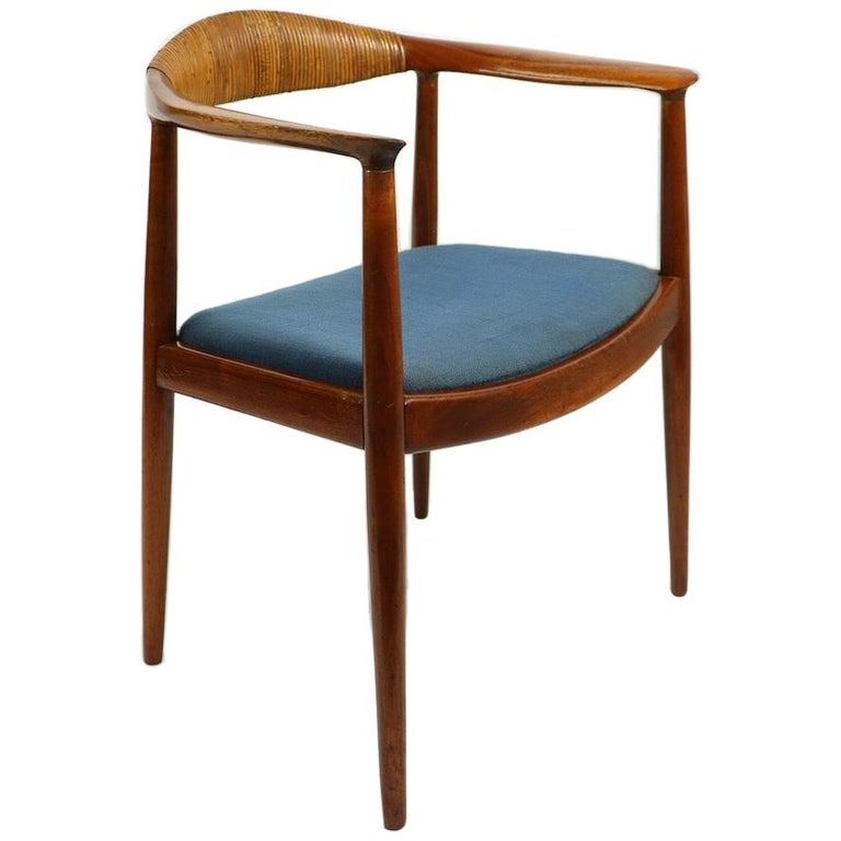 Classic Hans  Wegner Round Chair For Sale