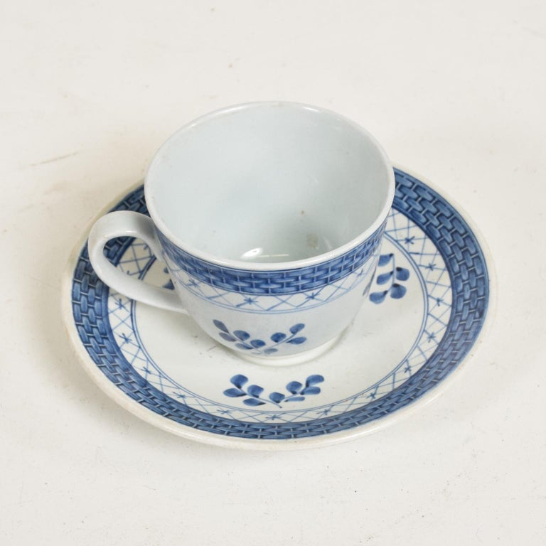 Danish Modern Coffee Tea Cup and Plate Set for 12 Person Royal of Copenhagen Era For Sale 3