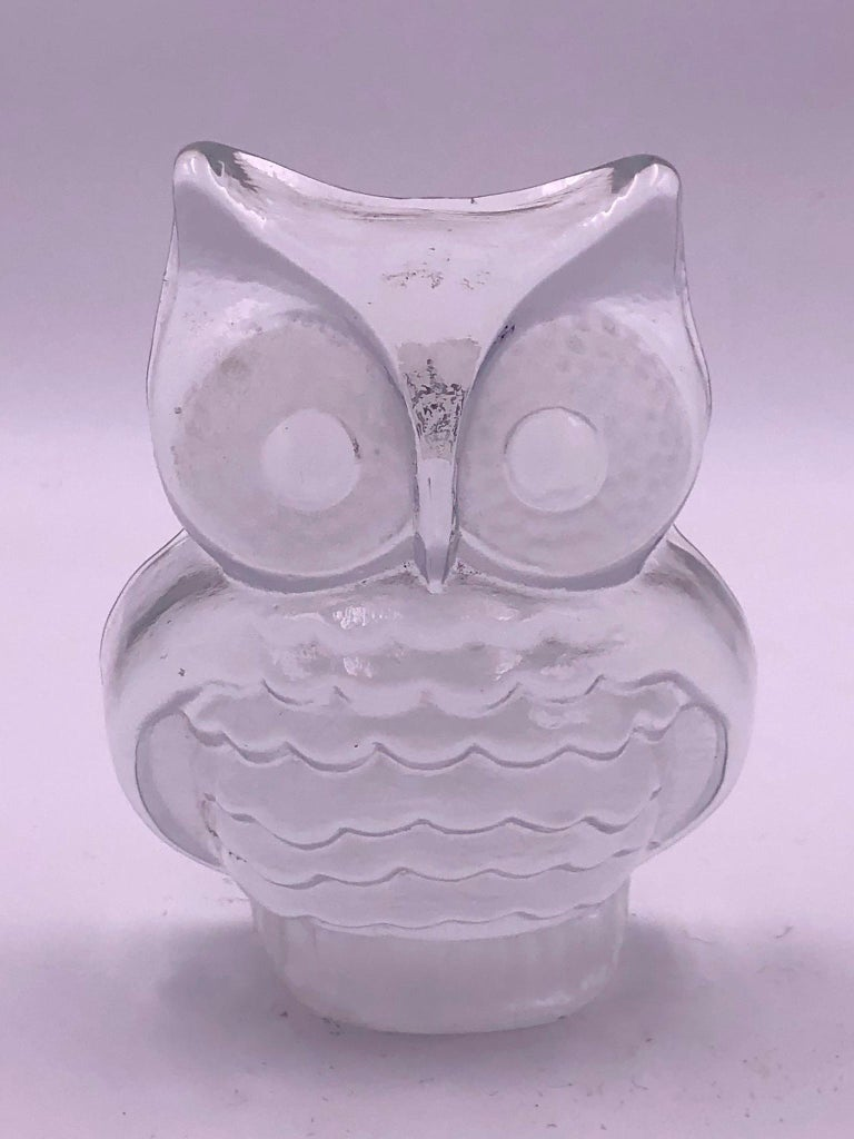 Danish Modern Decorative Glass Owl Sculpture by Viking In Excellent Condition For Sale In San Diego, CA