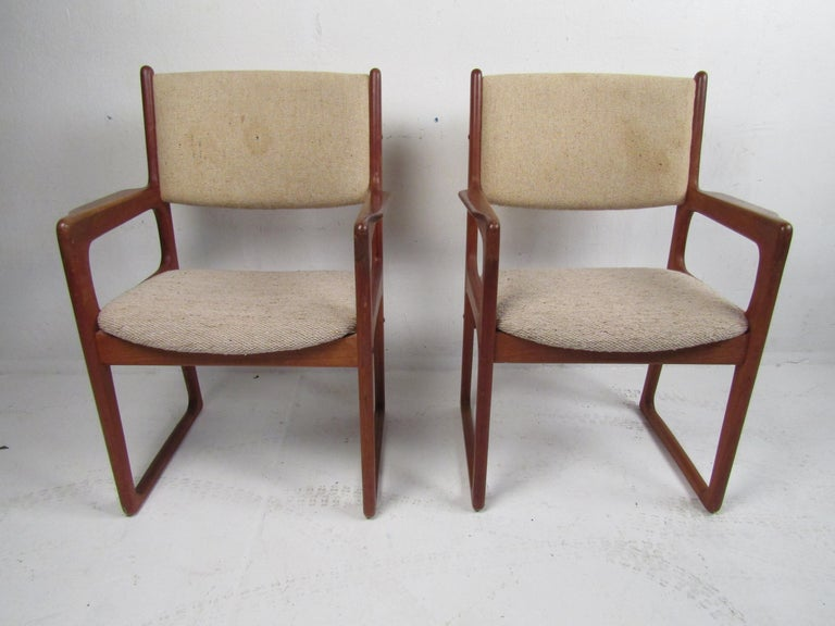 Danish Modern Dining Chairs by Benny Linden, Set of 12 In Good Condition For Sale In Brooklyn, NY