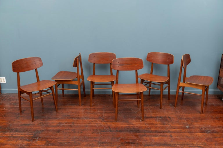 Set of six Danish modern teak dining chairs, in very good to excellent condition. High quality construction with a Minimalist design aesthetic.