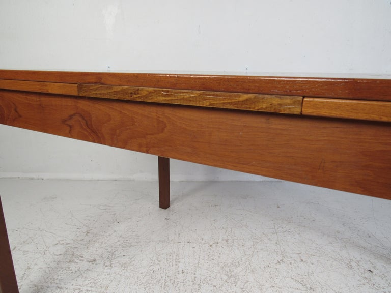 Danish Modern Draw Leaf Dining Table by Ansager Mobler For Sale 4