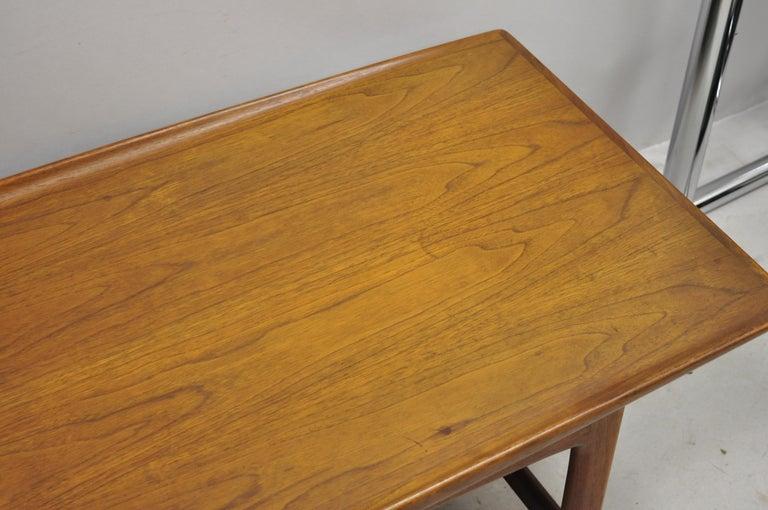 Danish Modern Dux Folke Ohlsson Teak Rectangular Teak Coffee Table In Good Condition For Sale In Philadelphia, PA