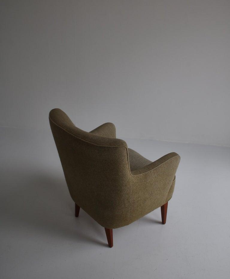 Danish Modern Easy Chair in Beech & Wool Upholstery by Hvidt & Mølgaard, 1950s For Sale 5