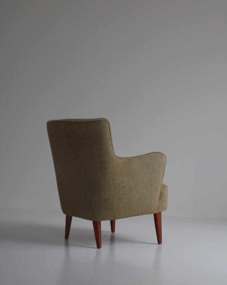 Danish Modern Easy Chair in Beech & Wool Upholstery by Hvidt & Mølgaard, 1950s For Sale 3