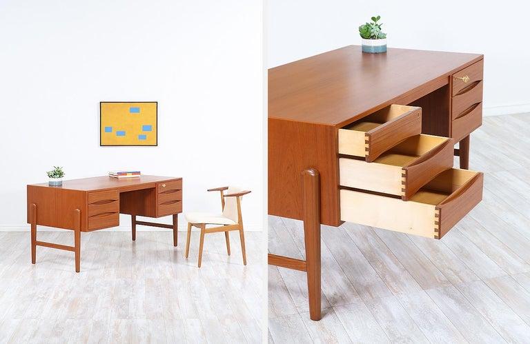 Danish Modern Executive Teak Desk with Bookshelf For Sale 4