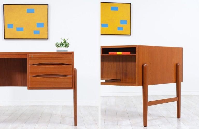 Danish Modern Executive Teak Desk with Bookshelf For Sale 5