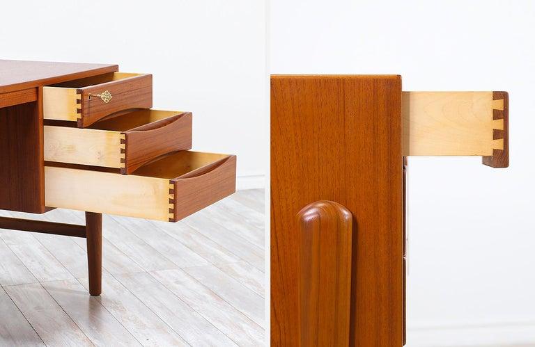 Danish Modern Executive Teak Desk with Bookshelf For Sale 6