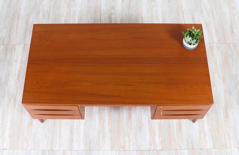Danish Modern Executive Teak Desk with Bookshelf For Sale 1