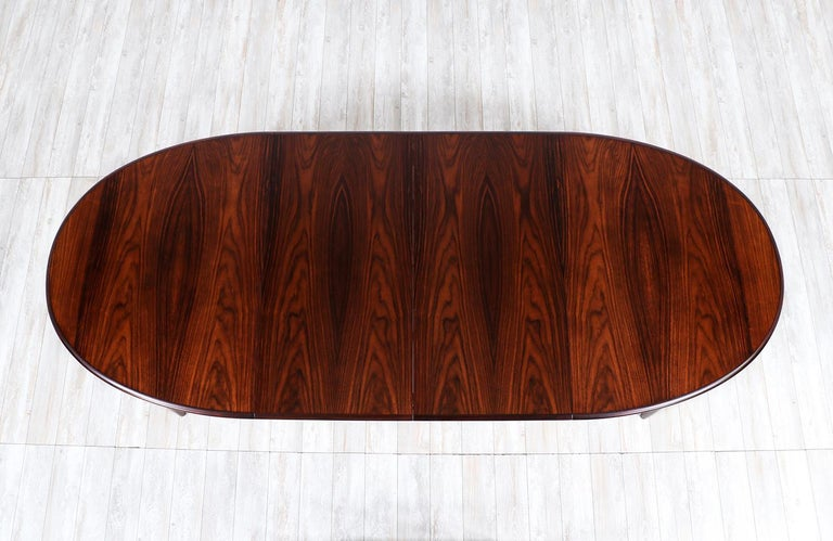 Danish Modern Expanding Rosewood Dining Table by Gudme Møbelfabrik For Sale 5