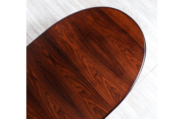 Danish Modern Expanding Rosewood Dining Table by Gudme Møbelfabrik For Sale 6