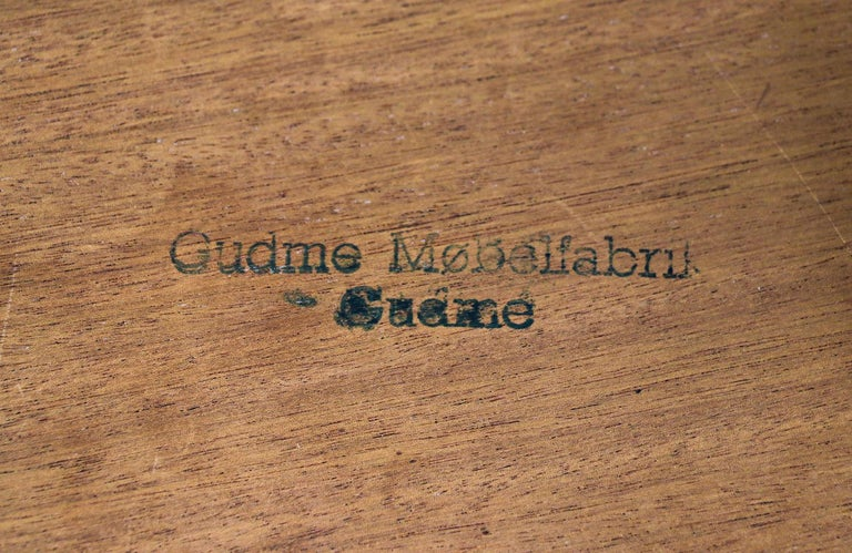 Danish Modern Expanding Rosewood Dining Table by Gudme Møbelfabrik For Sale 7
