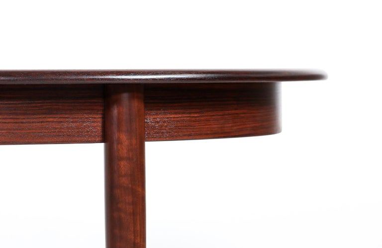 Danish Modern Expanding Rosewood Dining Table by Gudme Møbelfabrik For Sale 1