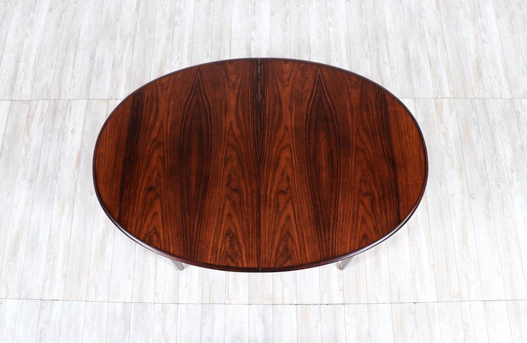 Danish Modern Expanding Rosewood Dining Table by Gudme Møbelfabrik For Sale 4