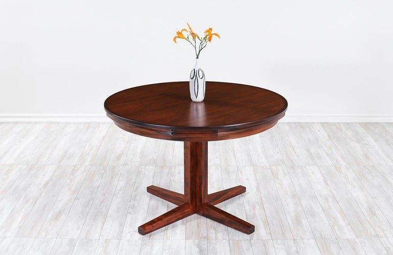 "Danish Modern ""Flip-Flap"" Rosewood Dining Table by Dyrlund In Excellent Condition For Sale In Los Angeles, CA"