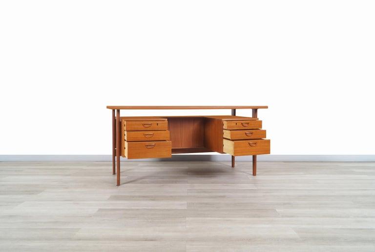 Mid-Century Modern Danish Modern Floating Top Desk by Kai Kristiansen For Sale