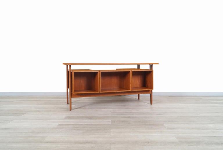 Danish Modern Floating Top Desk by Kai Kristiansen For Sale 1