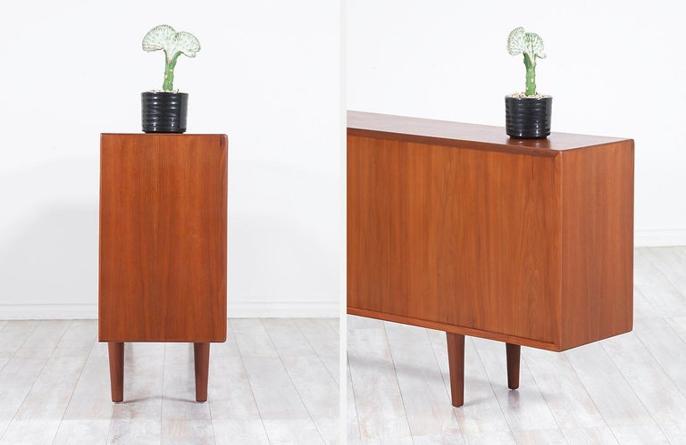 Danish Modern Glass Door Credenza/Bookcase by H.P. Hansen For Sale 2