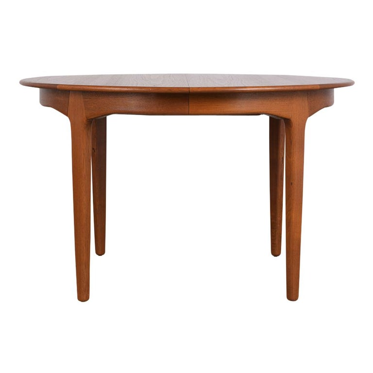 Modern Danish Dining Table by Henning Kjaernulf for Soro Stolefabrik  In Fair Condition For Sale In Los Angeles, CA