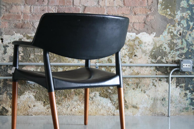 Danish Modern Leather Armchair by Aksel Bender Madsen & Ejner Larsen In Good Condition For Sale In Chicago, IL