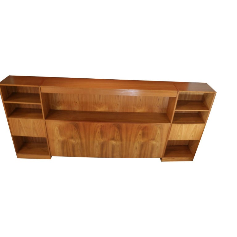 Danish Modern Lighted Teak Headboard with Integral Storage Nightstands In Good Condition For Sale In Baltimore, MD