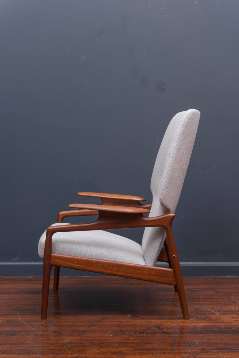 Mid-20th Century Danish Modern Lounge Chair For Sale