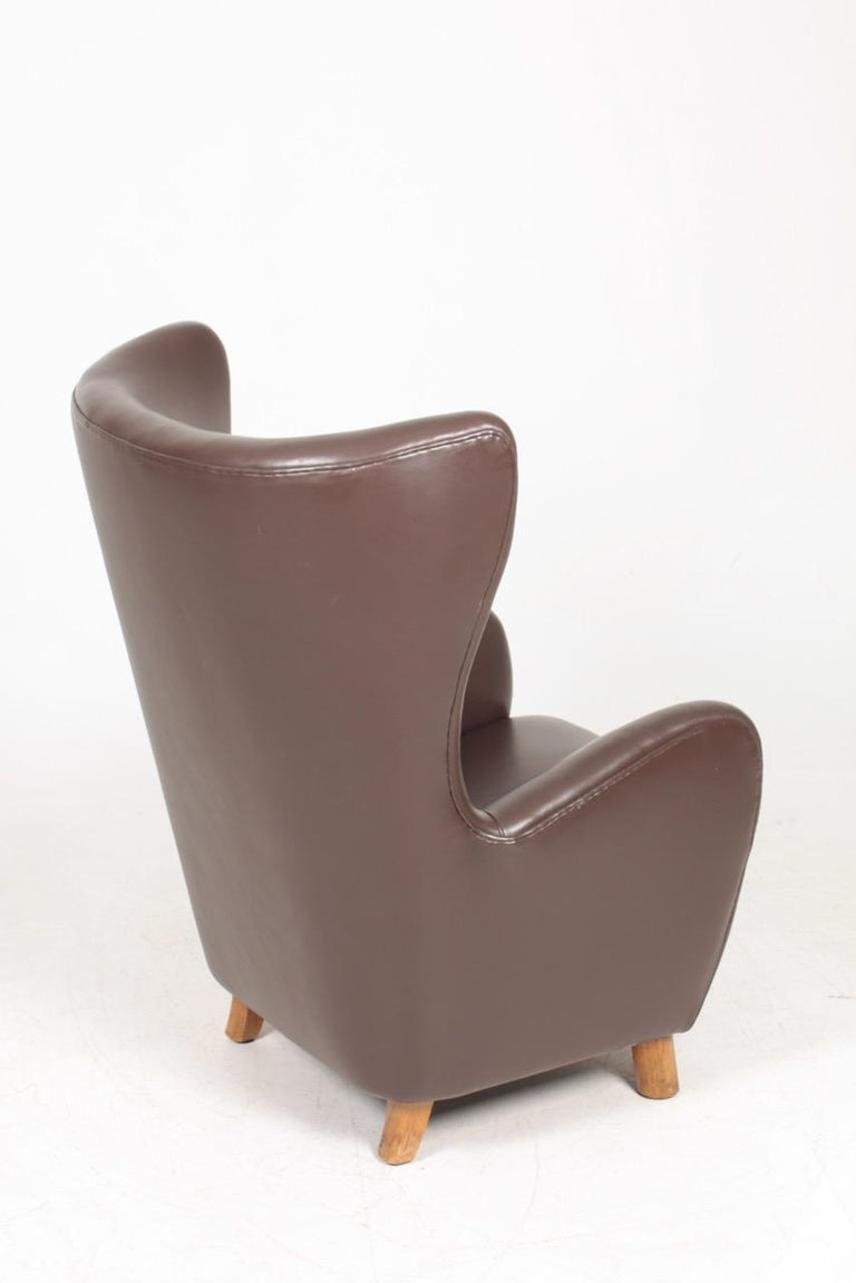 Danish Modern Lounge Chair in Patinated Saddle Brown Leather, 1940s For Sale 3