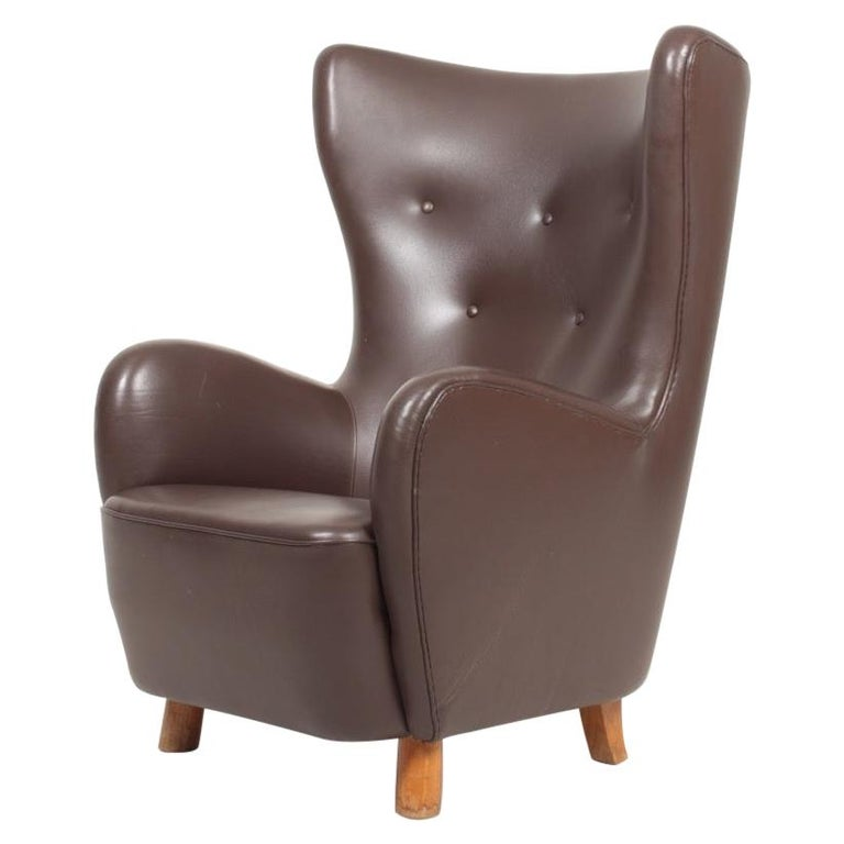 Danish Modern Lounge Chair in Patinated Saddle Brown Leather, 1940s For Sale