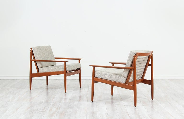 Danish Modern Lounge Chairs by Svend Åge Eriksen for Glostrup Møbelfabrik In Excellent Condition For Sale In Los Angeles, CA