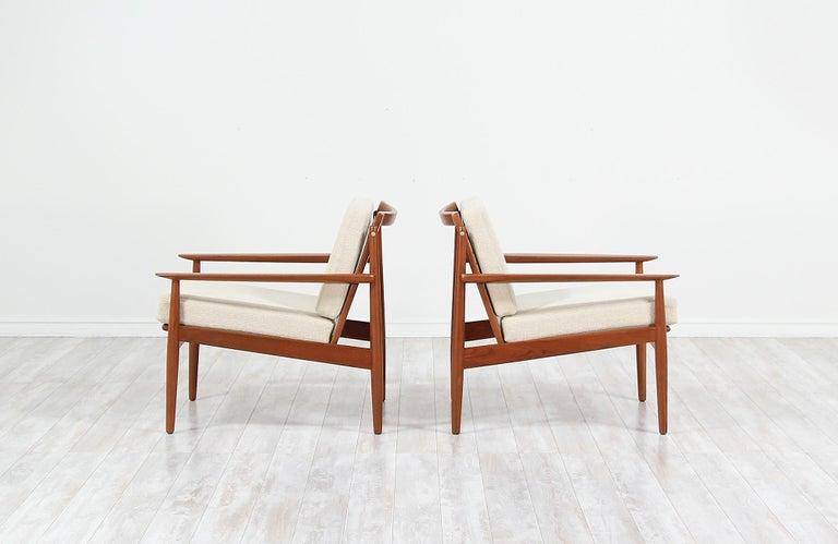 Fabric Danish Modern Lounge Chairs by Svend Åge Eriksen For Sale