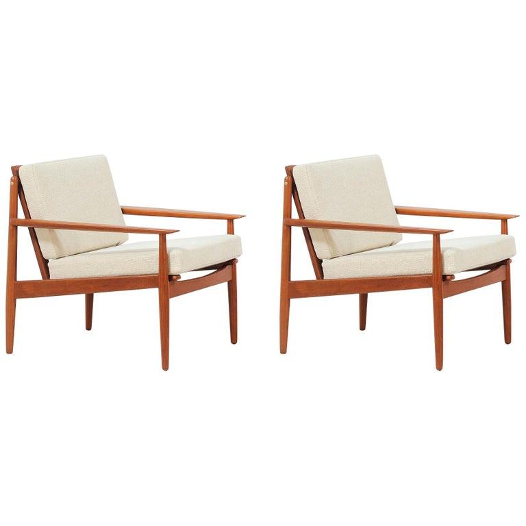 Danish Modern Lounge Chairs by Svend Åge Eriksen For Sale