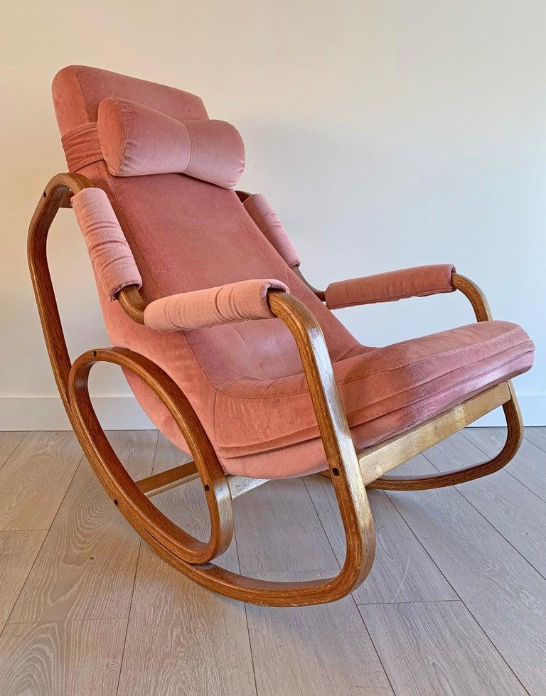 Danish Modern Midcentury Bentwood Rocking Chair in Pink Velvet In Fair Condition For Sale In Tempe, AZ