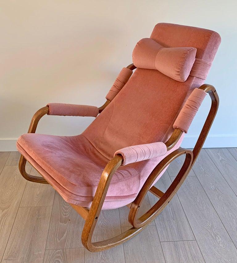 Danish Modern Midcentury Bentwood Rocking Chair in Pink Velvet For Sale 1