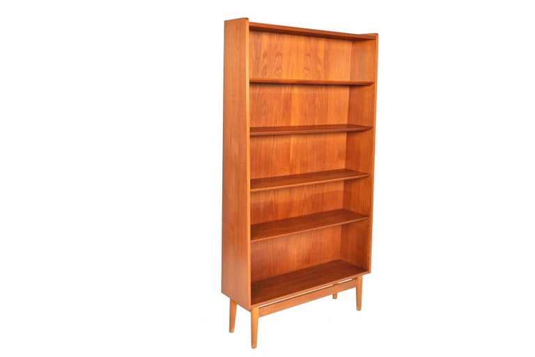 Danish Modern Narrow Teak Bookcase by Nexø In Good Condition For Sale In Berkeley, CA