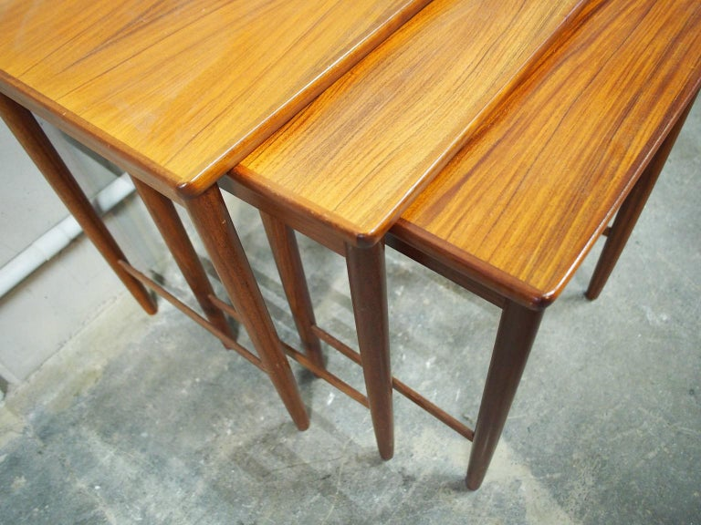 Danish Modern Nesting Table, Side Table, Vintage, Opal In Good Condition In Hamburg, DE