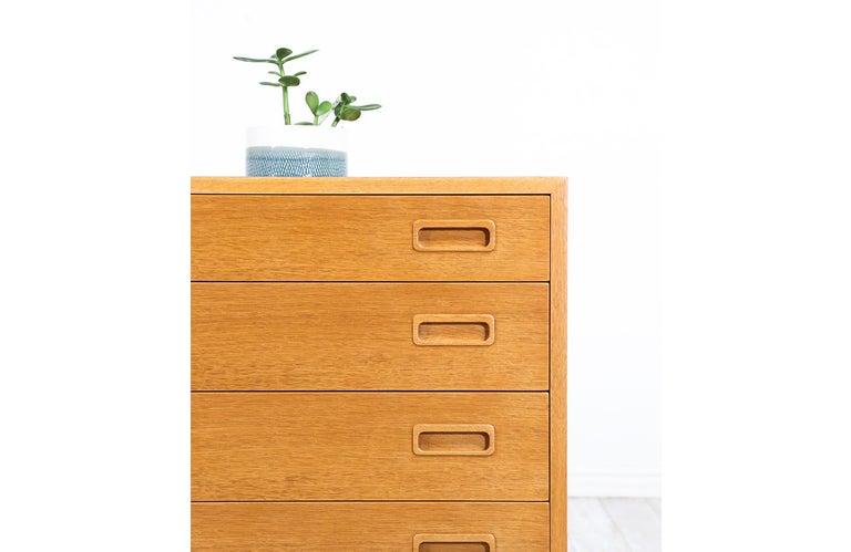 Danish Modern Oak Credenza by Carlo Jensen for Hundevad & Co. For Sale 4