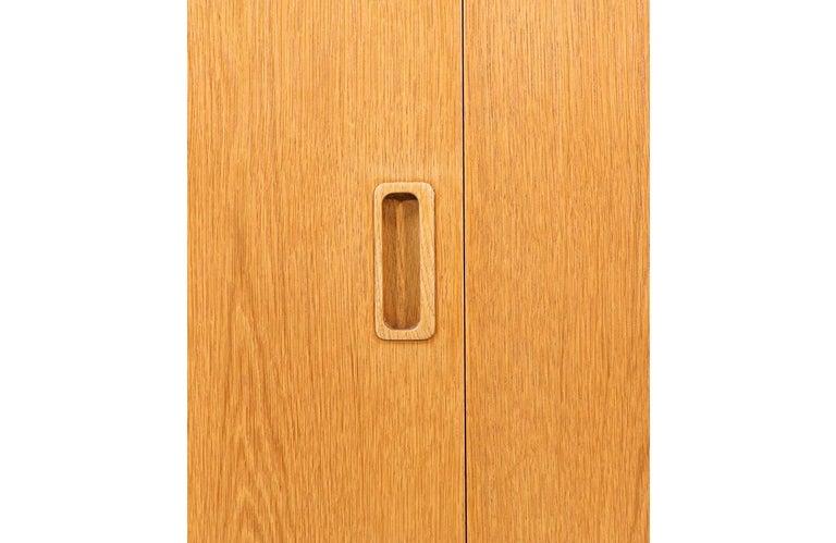 Danish Modern Oak Credenza by Carlo Jensen for Hundevad & Co. For Sale 3