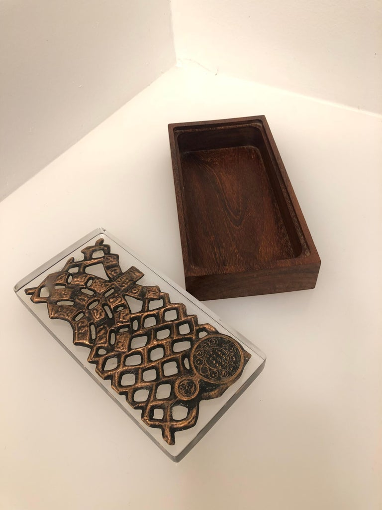 Danish Modern Rare Lucite Top and Rosewood Base Box For Sale 1