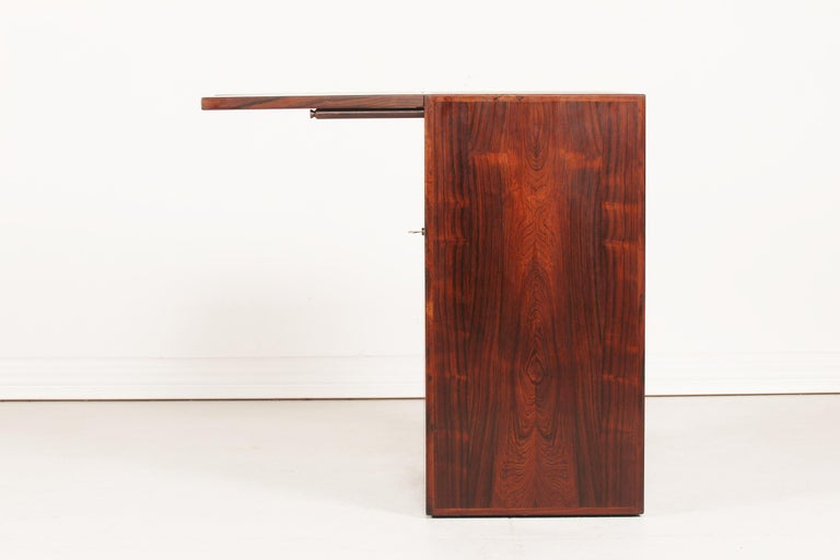 Danish Modern Rosewood Captains Bar by Reno Wahl Iversen Made by Dyrlund, 1970s For Sale 1