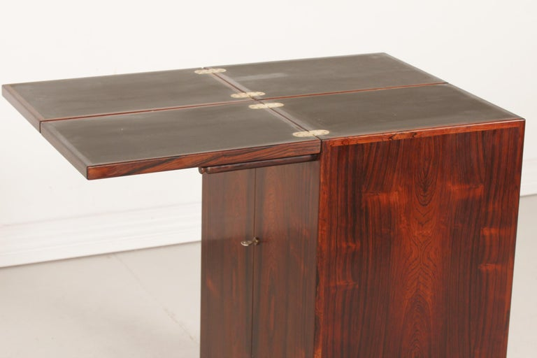 Danish Modern Rosewood Captains Bar by Reno Wahl Iversen Made by Dyrlund, 1970s For Sale 2