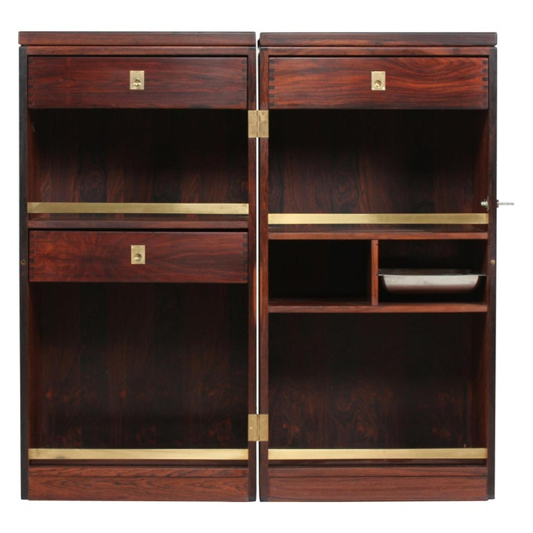 Danish Modern Rosewood Captains Bar by Reno Wahl Iversen Made by Dyrlund, 1970s For Sale