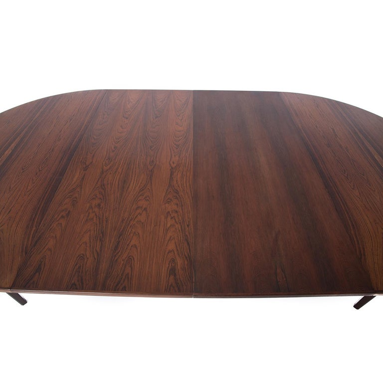 Danish Modern Rosewood Round to Oval Dining Table with Two Leaves 2