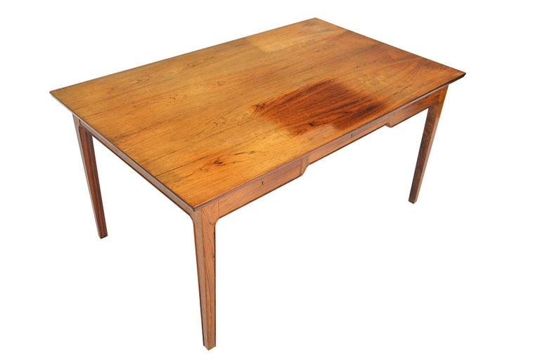Danish Modern Rosewood Writing Desk in the Manner of Fritz Henningsen In Good Condition For Sale In Berkeley, CA
